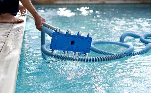 aspirafango per piscina